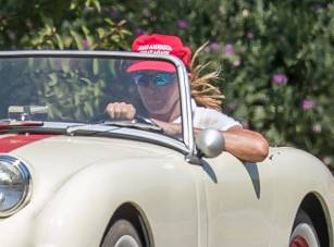 rs_1024x759-170804131512-1024.Caitlyn-Jenner-Make-America-Great-Again-Hat-Los-Angeles.kg.080417